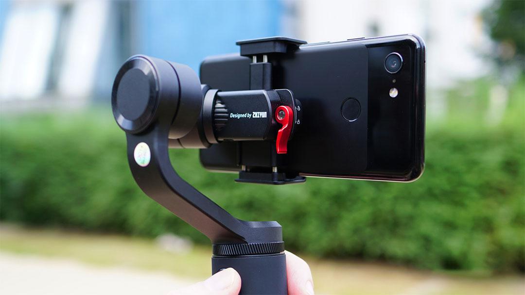 Zhiyun SMOOTH-Q2: il gimbal tascabile per videomaker in erba